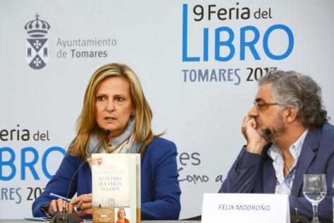 Isabel San Sebastián en la Feria del Libro de Tomares.jpg