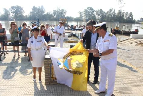 homenaje marineros.JPG