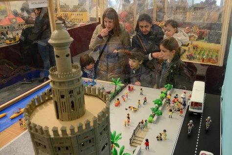 Gran exposición de Playmobyl de Tomares atractivo puentecon 5.000 visitas (1).jpg