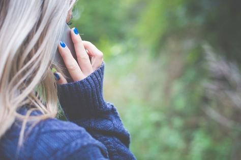 Las mujeres víctimas de violencia de género pueden llamar para denunciar su situación al 016
